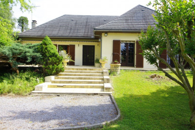 Maison Buziet 5 pièce (s) 130 m² vue Pyrénées