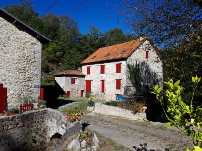 A 5 du Lac de Saint-Pardoux, MOULIN avec 3 maisons