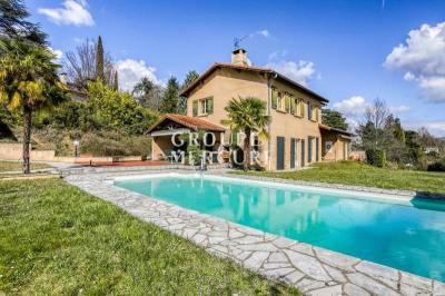 Villa de 206 m² habitables avec piscine à Saint cyr au mont