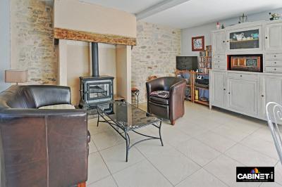 Longère Orvault 4 pièce (s) 83 m² et granges en pierres