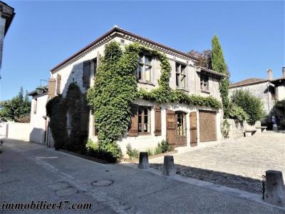Maison de village pujols - 3 pièce (s) - 107 m²