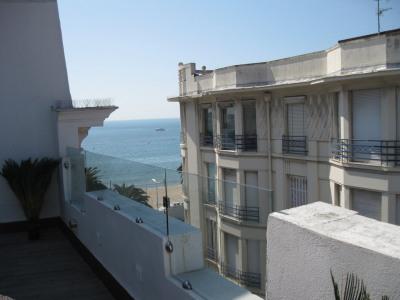 RARE. Cannes Croisette. Dernier étage avec terrasse de 35m² Cannes