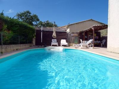 Villa type 4 de 120 m² sur terrain de 590 m² avec piscine
