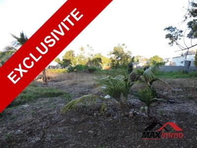 Terrain constructible st benoit - 400.36 m²