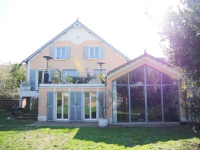 Maison familiale sur terrain de 1115 m²