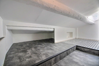 Appartement Nîmes 1 pièce (s) 18 m² rénové