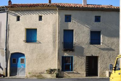 10 minutes Bram - Maison de village à rénover avec garage