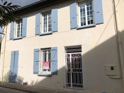 Immeuble La Grand Combe 8 pièce (s) 140 m²