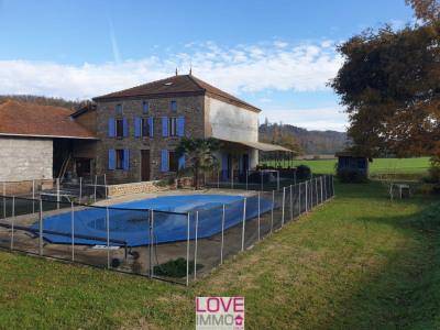 Maison dauphinoise en galets 7 pièces de 160 m²