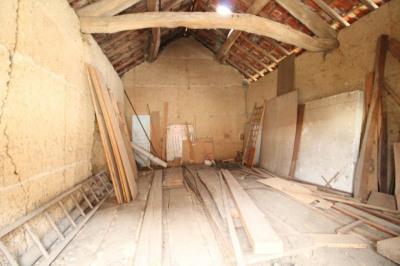 Belle grange en pisé - 85 m² avec terrain de 800 m²