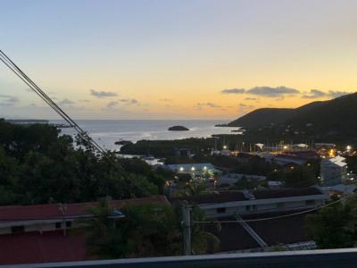 T2 duplex avec magnifique vue sur la baie du Marin