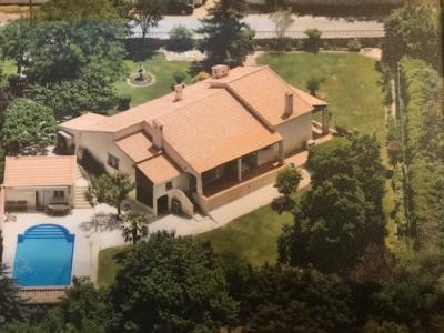 Exclusivité - Calas - Villa T4 plain pied + garage + piscine + pool house