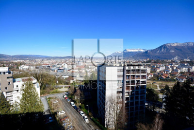 T4 barral dernier etage vue panoramique