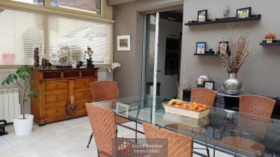 Maison Mitoyenne au calme de 130m² avec jardin, terrasse et