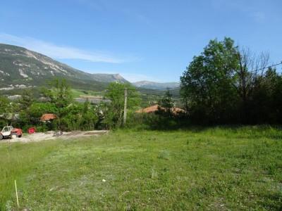 Terrain a bâtir, 616 m² - St Andre les Alpes (04170)