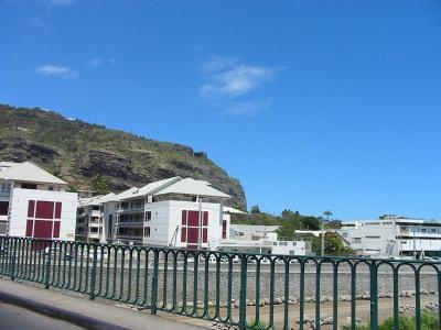 appartement de type T3 duplex - Bas de la Rivière