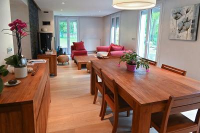 Maison totalement rénovée - 7 pièce (s)