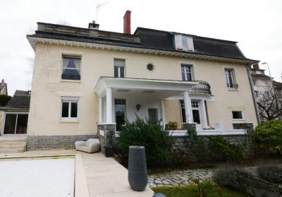 Maison bourgeoise de 410 m²