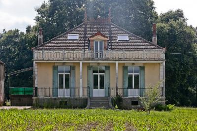 Maison Aire Sur L Adour 6 pièce (s) 210 m²