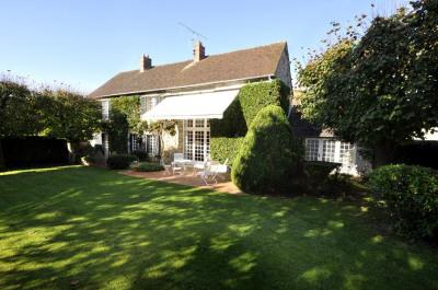 A vendre a nandy maison de 7 pièces de 155 m² avec jardin
