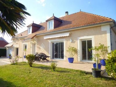 Maison traditionnelle idron - 8 pièce (s) - 200 m²