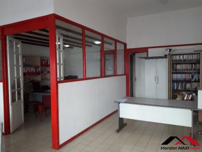 Local commercial Saint Pierre 60 m²