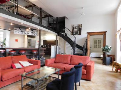 Appartement 5 pièces Place du Palais