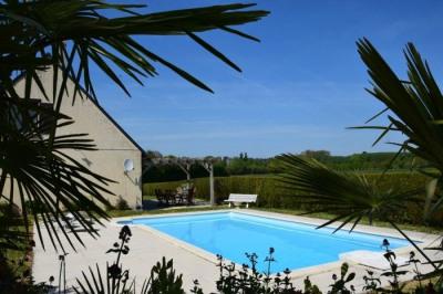 Maison 5 pièce (s) 142 m² Secteur Seiches / Le Loir 227 700 euro