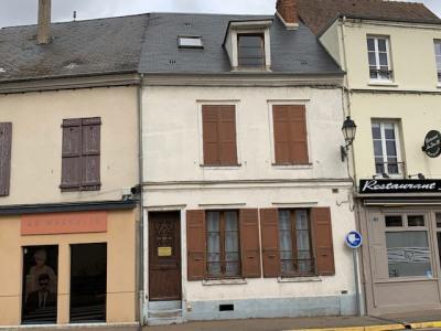 Maison de ville maintenon - 6 pièce (s) - 110 m²