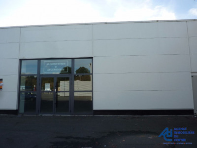 LOCAL COMMERCIAL de 400 m² en Zone commerciale