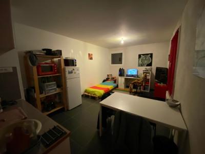Studio - 24 m² - 1er étage - Aix Les Milles
