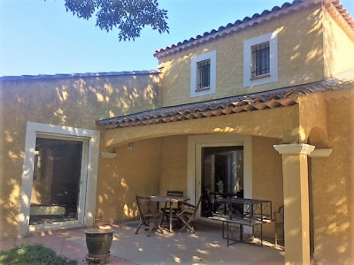 CABRIES S/3800 M² Villa T7/8- 311 m² hab - piscine pool house