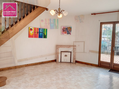 Maison de type 6 d'environ 115 m² habitable
