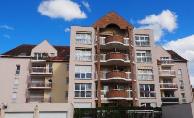 A Louer Appartement Melun 3 pièces 66.02 m² - Garage et Parking