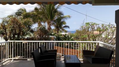Villa F5 avec terrasses, garage et jardin