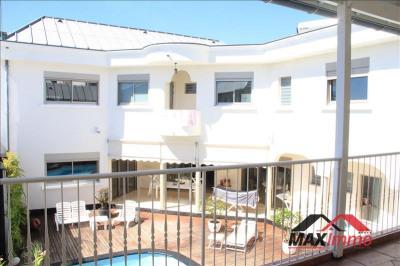 Villa st denis - 4 pièce (s) - 287 m²