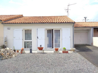 (detached) house 3 rooms Limitrophe de Cognac