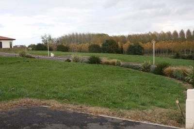Terrain Pontonx Sur L Adour 621 m²