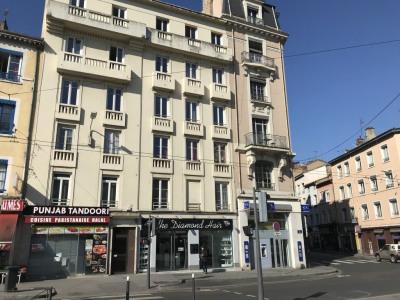 PROCHE VALMY - Local Duplex Rénové et équipé