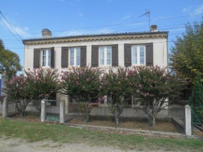 Secteur LA BREDE Belle maison en pierre de 158m² avec jardin
