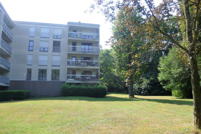 Grabd calme - Appartement 5 pièces sur parc