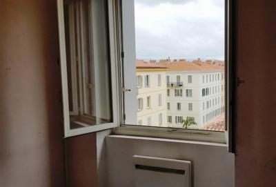 T3 avec grenier, à rénover quartier Tribunal d'Ajaccio