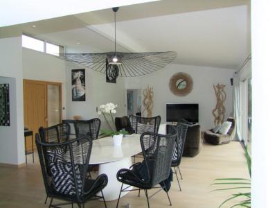 Magnifique maison contemporaine 6 pièce (s) 152 m²