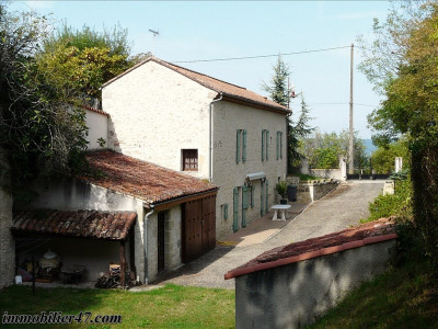 Maison de village prayssas - 5 pièce (s) - 140 m²