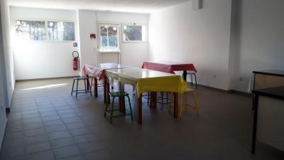 Rare local 200 m² refait à neuf, Parking, quartier J.Nicoli