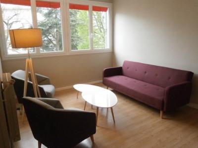 F2 meublé dans résidence proche château