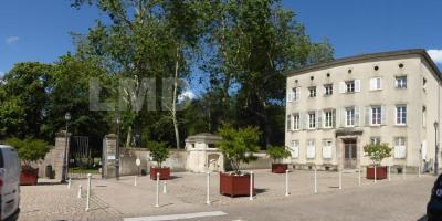 Appartement 86 m² avec terrasse sur parc du château