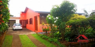 Maison le tampon - 4 pièce (s) - 142 m²