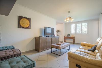 Appartement 5 pièce (s) 100 m² PIGONNET BAS