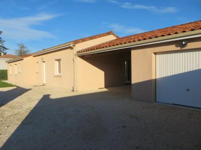 À louer à La Croix-Blanche: maison avec terrasse 3 chambres